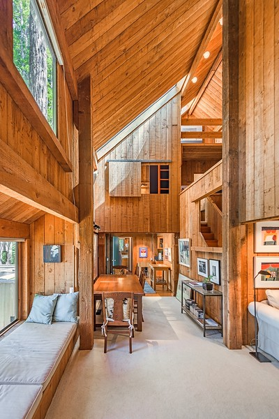 Classic Binker Barn Architecture