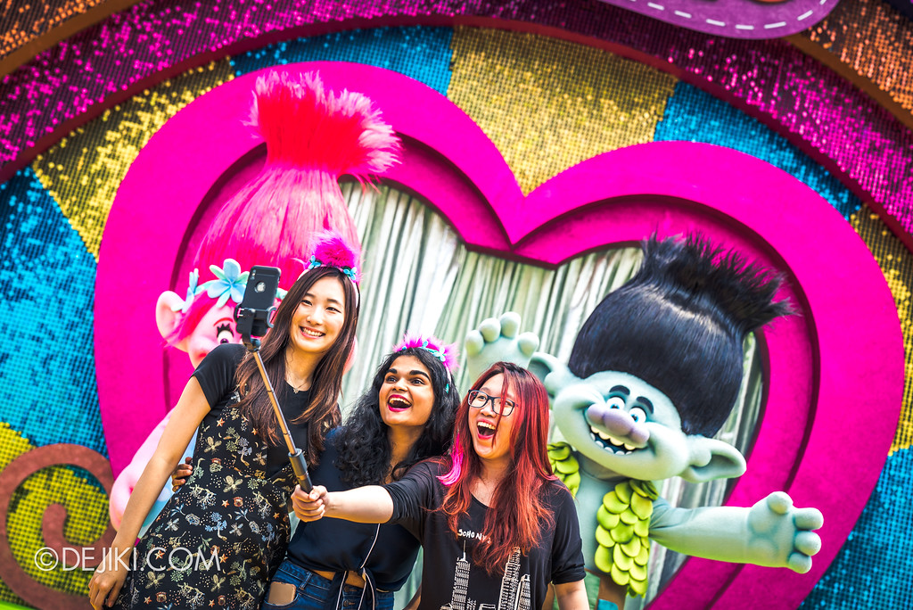 Universal Studios Singapore Park Update March 2018 TrollsTopia event - TrollsTopia show meet and greet