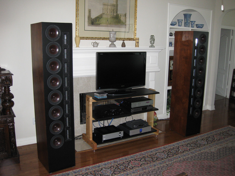 Later we went downstairs and heard the Selah Audio XT8 arrays driven by a D-Sonic Magnum 1000S stereo amp.