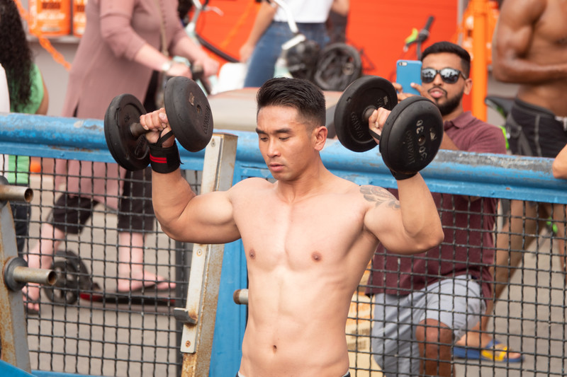 Pumping iron in Muscle Beach