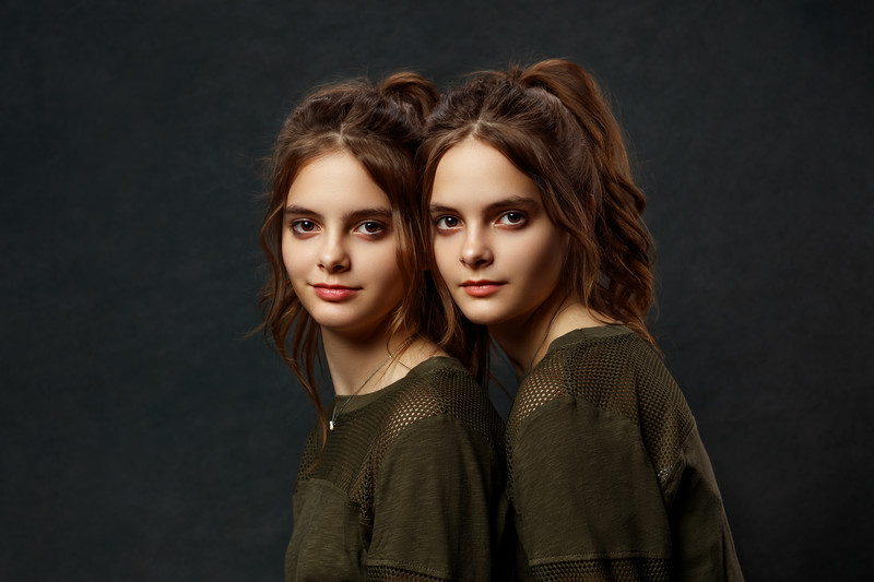 Daniela and Diana Twins Session