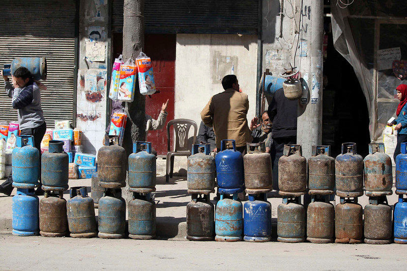. Gas cylinders are displayed for sale on a street in Aleppo March 24, 2013. REUTERS/Giath Taha