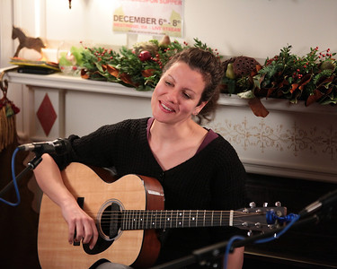 Winter Bloom  Music to Table House Concert December 2013