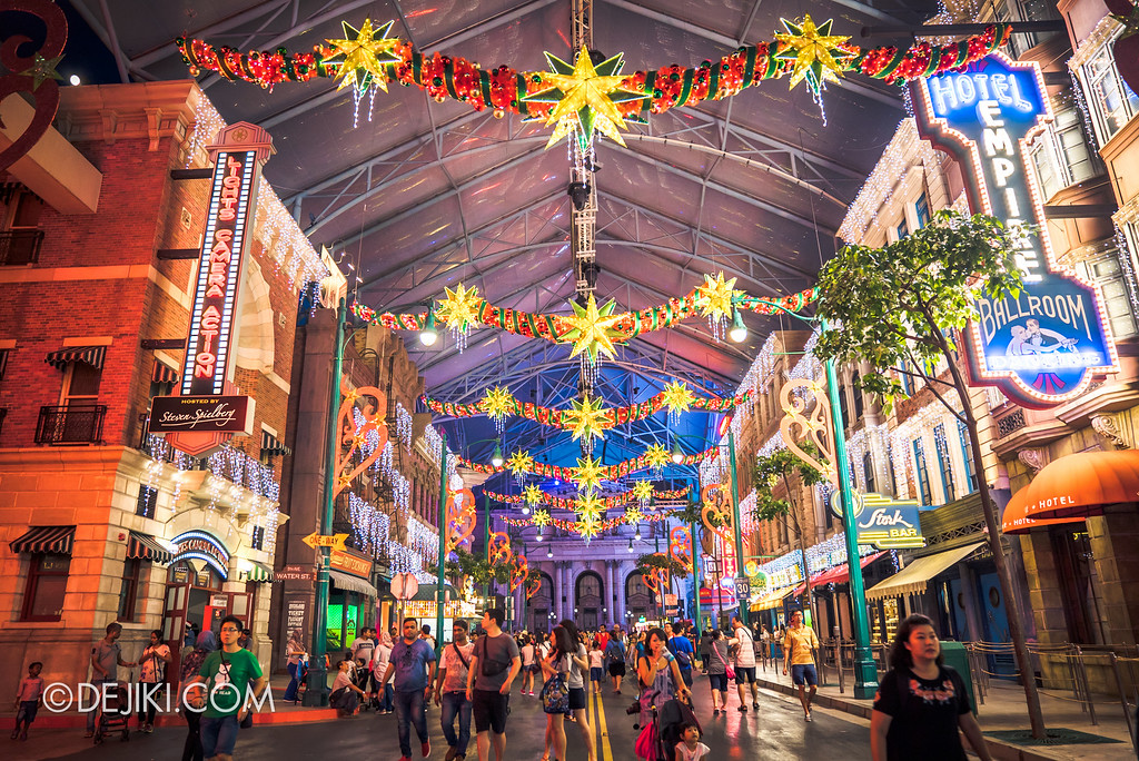 Universal Studios Singapore December Park Update - Santa's All Star Christmas 2016 / Park Decorations at New York