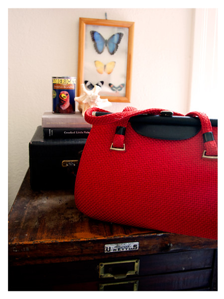FASHION_AddingSplashofColorwithPurses_Red.jpg