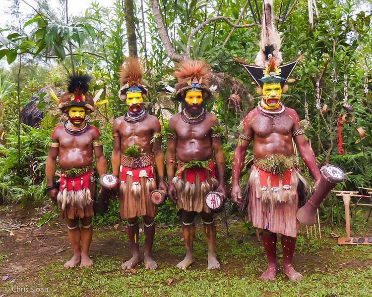 Huli Wigmen at Ambua Lodge, Papua New Guinea (10-05-2013).jpg