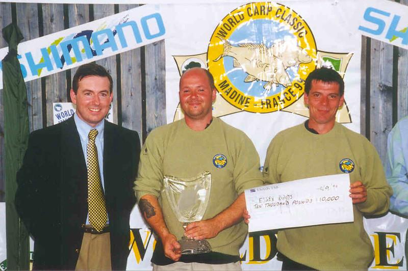 WCC99-Pic 36 - trophy + prize