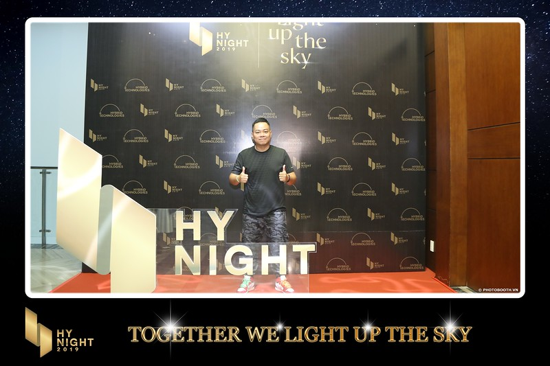 Buzz-Comm-Year-End-Party-instant-print-photo-booth-at-New-World-Saigon-Chup-hinh-lay-lien-Tat-nien-WefieBox-Photobooth-Vietnam-007.jpg