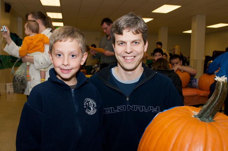 Cub Scouts Pumpkin Carving  2009-10-22  31.jpg