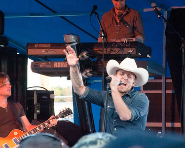 Justin Moore Lorain County Fair 8-20-2012