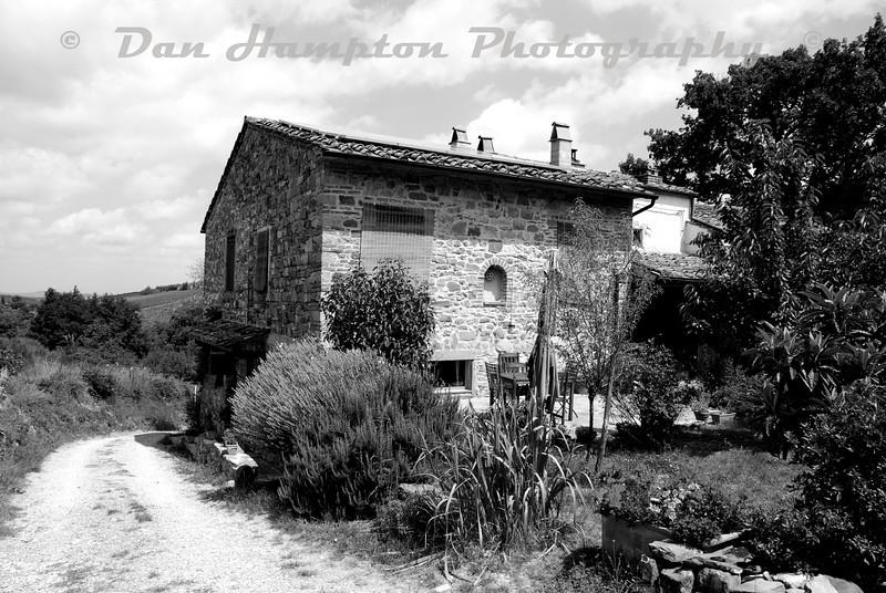 Tuscany_1667 b&w.jpg