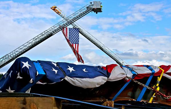 2010 -- 9-11 STEEL ARRIVES IN KITSAP WA