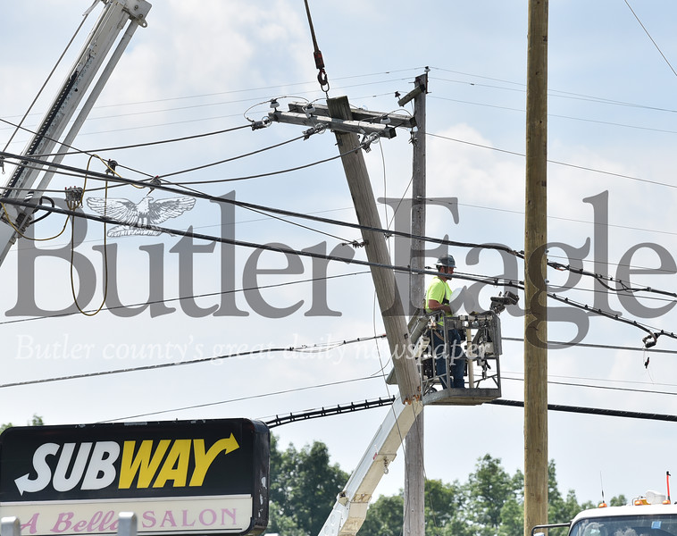 94495 A accident on Route 8 and Mercer Rd knocked out power lines and traffic lights