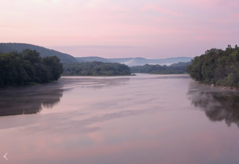 A foggy morning on the Susquehanna River (Mocanaqua)