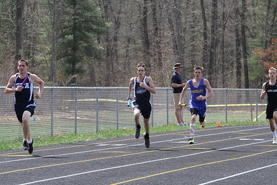 Boy's 1600 Meter Relay - 2013 Brethren Invite