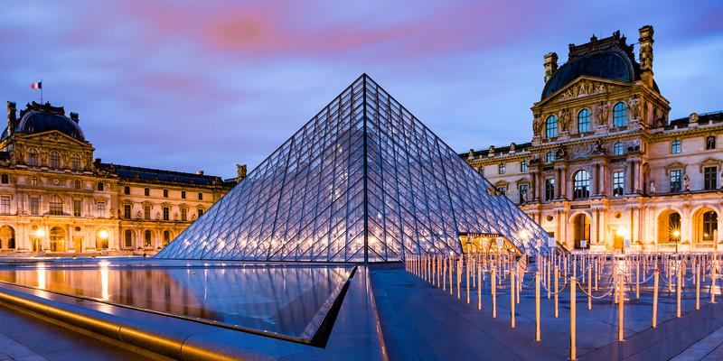 Louvre Courtyard Night-90813.jpg