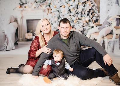 Sarah Harness Family Christmas 2018