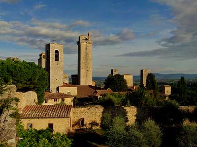 Tuscany Top 700