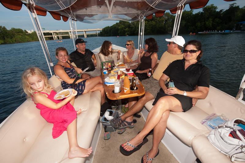 Travelhost_Party-0848.jpg