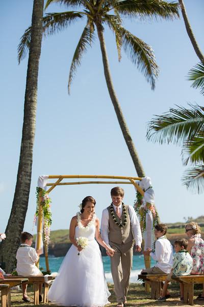 gillin beach kauai wedding-113.jpg
