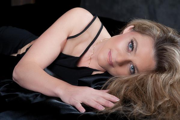 Jennifer @ Noir