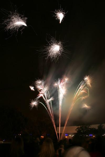 2007_1102putneyfireworks055_edited-1.JPG