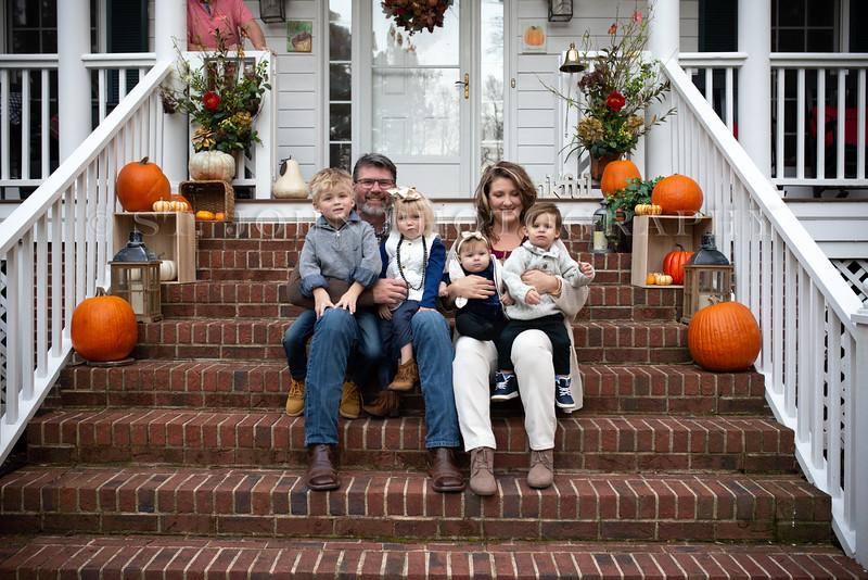 2019 November Ellis Family-74-241.jpg