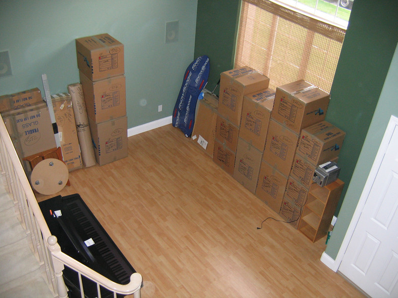 The movers took two days to pack (26-27 Nov) our home in Oxnard and one day (28 Nov) to load and go. (Image taken with Canon PowerShot A95 at ISO 0, f2.8, 1/60 sec and 7.8mm)