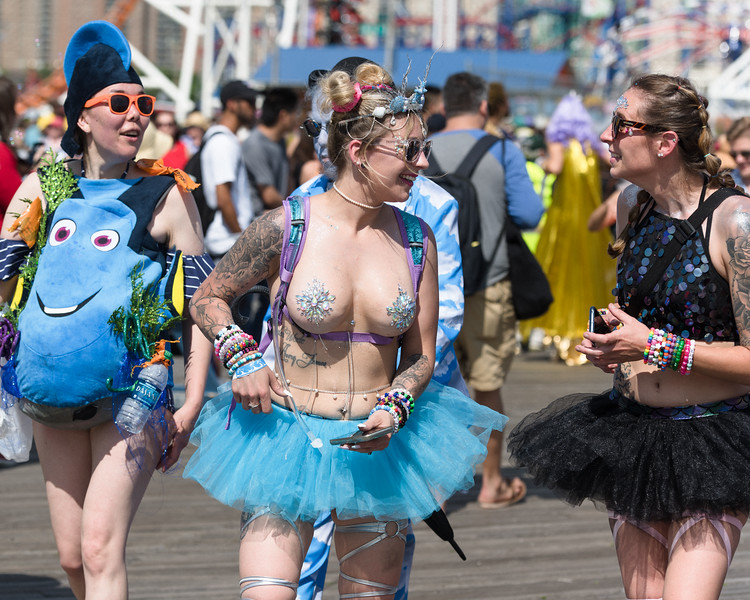 2019-06-22_Mermaid_Parade_0560.jpg