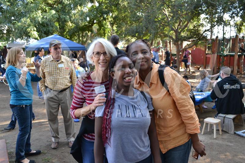 DSC_ Ellen Veselack with Jasmine and Louise Bell 0753.JPG