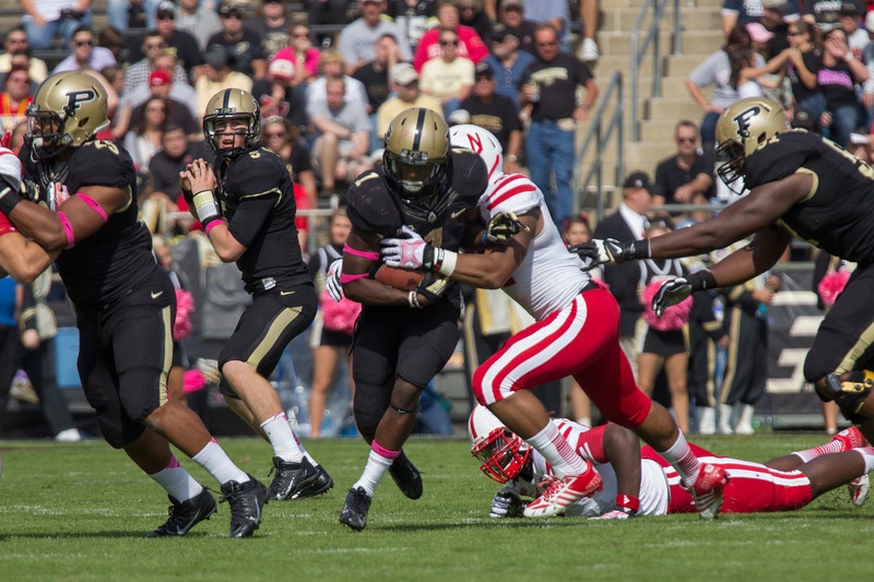 Akeem Hunt (1) with a carry during the third quarter of the Big Ten Conference game between the Purdue Boilermakers and the Nebraska Cornhuskers on October 12, 2013