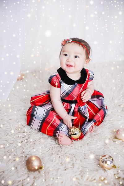 newport_babies_photography_6_months_photoshoot-0073-1.jpg