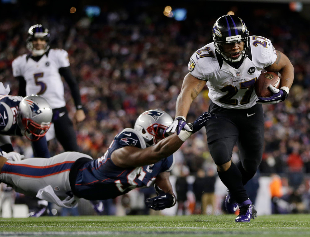 Description of . Baltimore Ravens running back Ray Rice (27) goes in for a two-yard touchdown run against New England Patriots outside linebacker Dont'a Hightower (54) during the first half of the NFL football AFC Championship football game in Foxborough, Mass., Sunday, Jan. 20, 2013. (AP Photo/Matt Slocum)