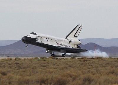 STS-128 Discovery landing Edwards AFB Sept. 11, 2009
