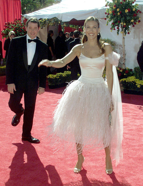 """. Actress Sarah Jessica Parker nominated for \""""Lead Actress, Comedy Series\"""" for her role in \""""Sex and the City\"""" poses with her husband Matthew Broderick during the arrivals to the 52nd Annual Primetime Emmy Awards at the Shrine Auditorium in Los Angeles 10 September, 2000.   LUCY NICHOLSON/AFP/Getty Images"""