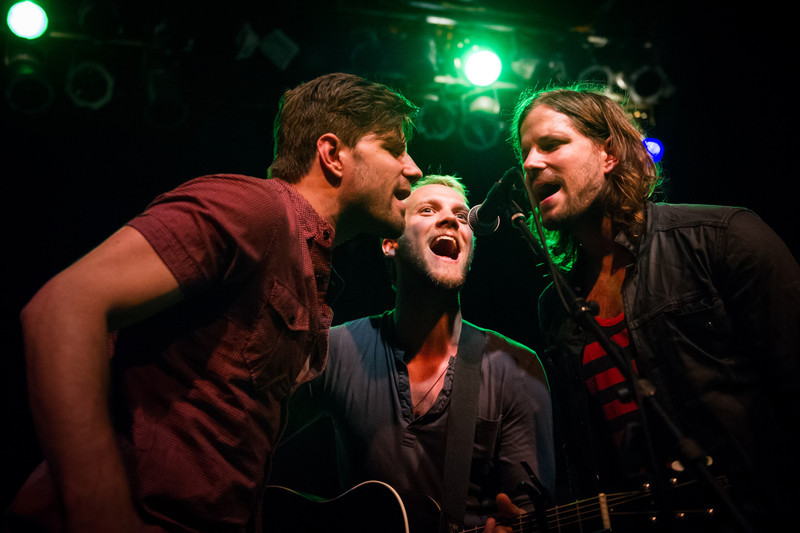 Ran Jackson (left) and Ricky Jackson (right) of The Daylights join Andrew Ripp (center) on stage for a song at State Theatre in St. Petersburg, Florida on April 27, 2011