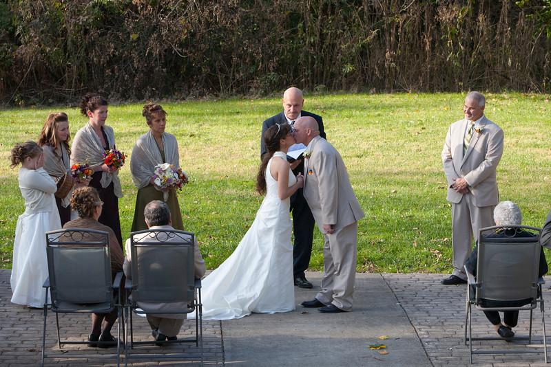 Royer Wedding, Stone Arch Bridge Lewistown, PA wedding the kiss stone arch bridge, lewistown, pa _mg_2569a_1BH.jpg