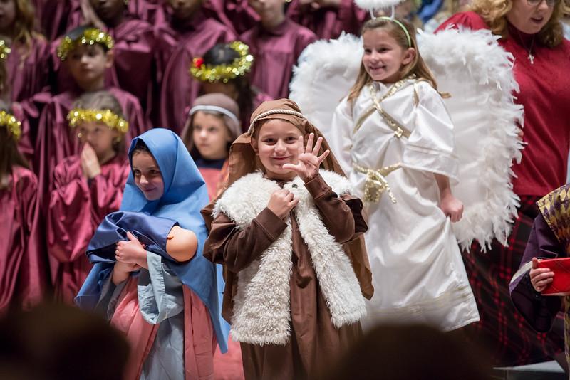 1st grade Christmas program (7 of 49).jpg