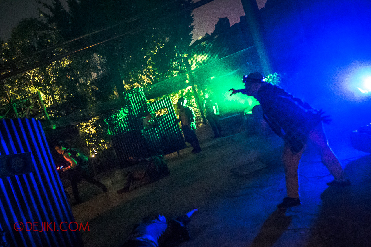 USS Halloween Horror Nights 8 Zombie Laser Tag - The Horde