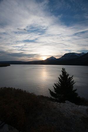 28 Day 4 Fri: Sunrise over St.Mary Lake