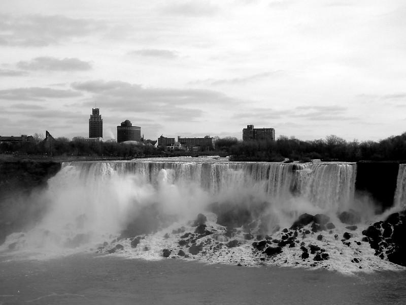 Niagara Falls-US Falls.jpg