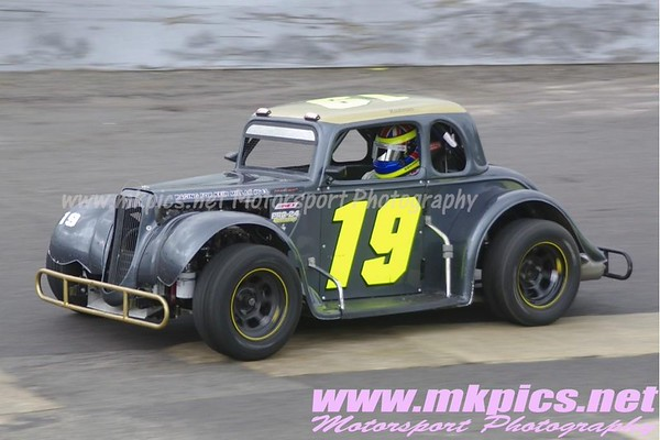 Oval Track Legends Midand Championship