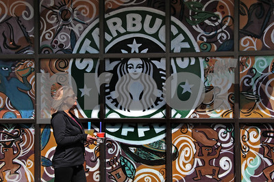 starbucks-to-launch-credit-card-sell-tazo-amidst-disappointing-sales