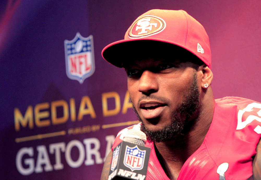 Description of . San Francisco 49ers inside linebacker Patrick Willis speaks to journalists during Media Day for the NFL's Super Bowl XLVII in New Orleans, Louisiana January 29, 2013. The 49ers will meet the Baltimore Ravens in the game on February 3.  REUTERS/Sean Gardner