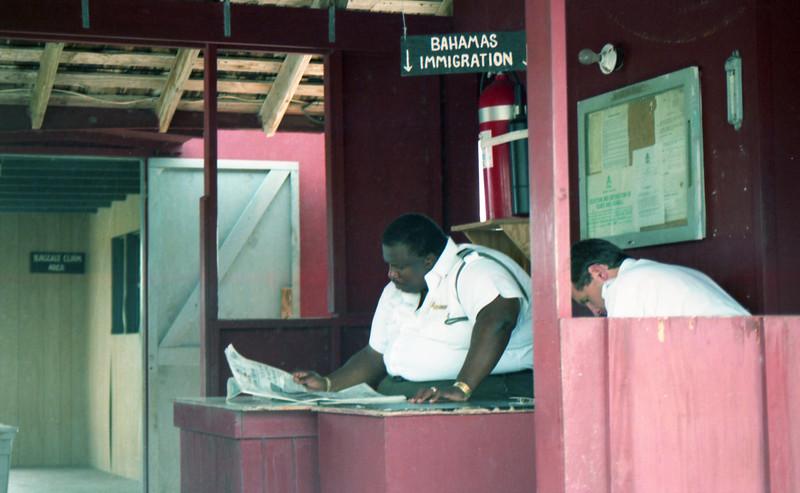 1990-12 1-04A Bahamas198.jpg