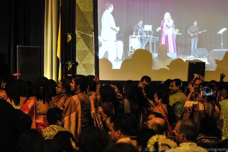 2016-10-09_DurgaPuja_Concert_KumarSanu@KallolNJ_26.jpg