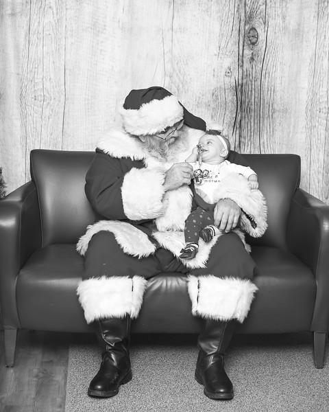 Ameriprise-Santa-Visit-181202-5076-BW.jpg