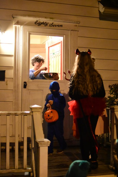 Trick or Treating in Williamstown on Halloween - 103119