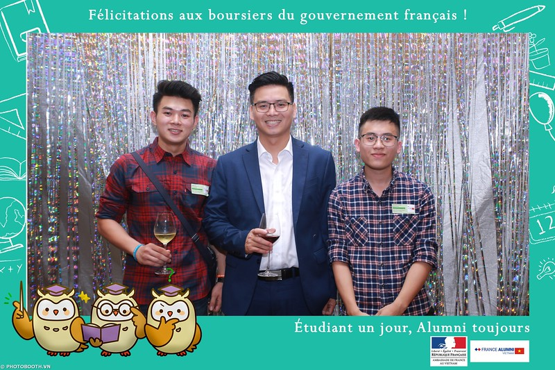 France-Alumni-Vietnam-photobooth-at-Franch-Embassy-Vietnam-photobooth-hanoi-in-hinh-lay-ngay-Su-kien-Lanh-su-quan-Phap-WefieBox-photobooth-vietnam-026.jpg