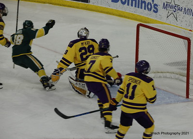 WCHA No Michigan vs MN State Univ March 19 2021